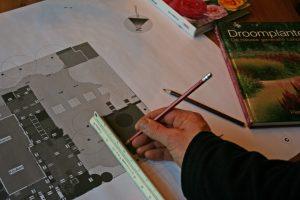 Tekenen van Tuinontwerp door Tuinontwerper van Mijn Tuingeheim.