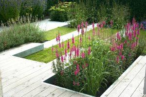 Tuin met strakke vormen uit de serie van Mijn Tuingeheim